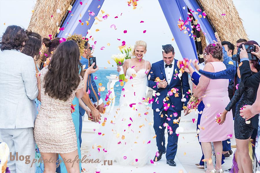 мобильные телефоны мешают работе свадебных фотографов