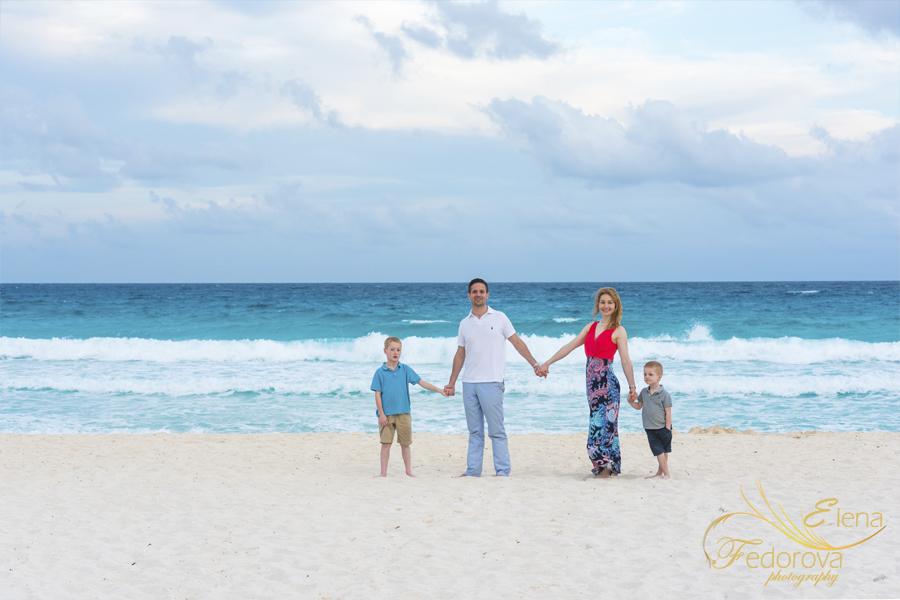 как позировать на семейной фотосессии